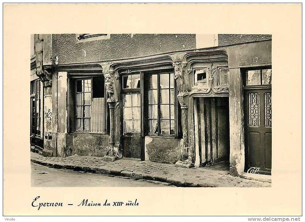 MAISON A PANS DE BOIS A EPERNON