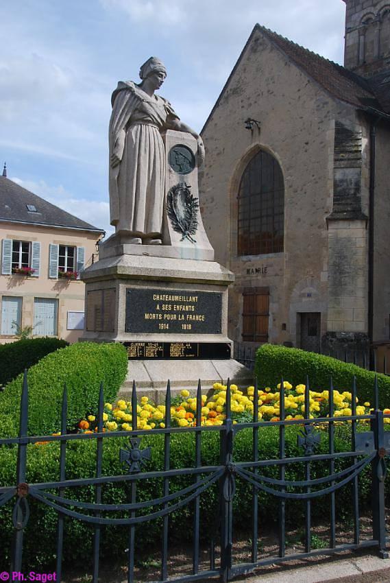 MONUMENT AUX MORTS DE CHATEAUMEILLANT