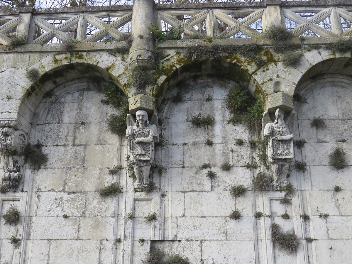 ESCALIER MONUMENTAL SAINT-PIERRE A PONT-SAINT-ESPRIT
