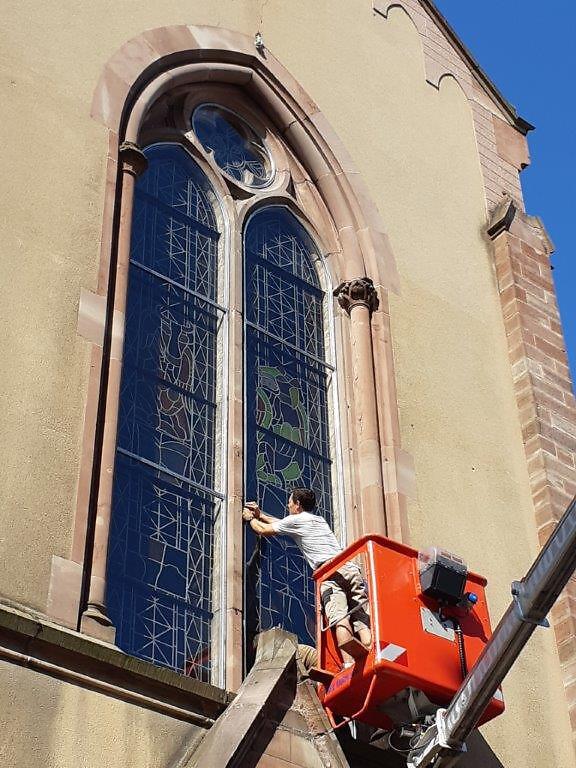 20190831_105456Restauration des vitraux de Village-Neuf