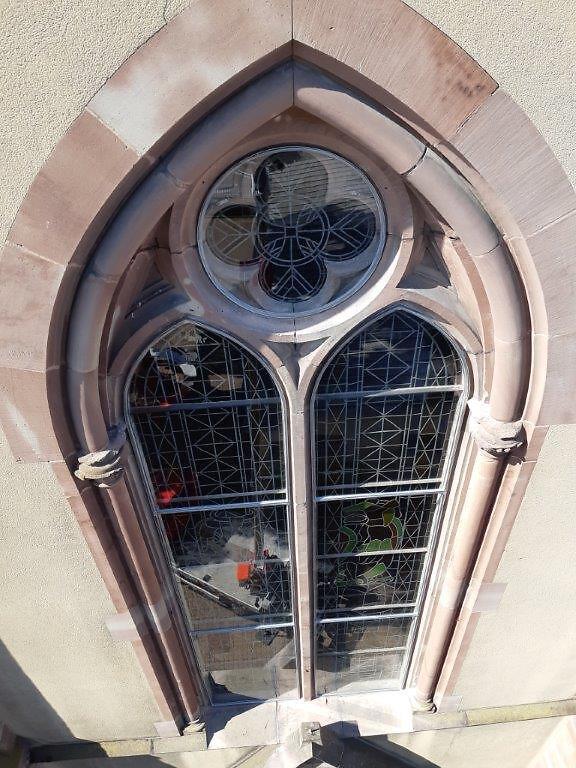 20190831_114537Restauration des vitraux de Village-Neuf