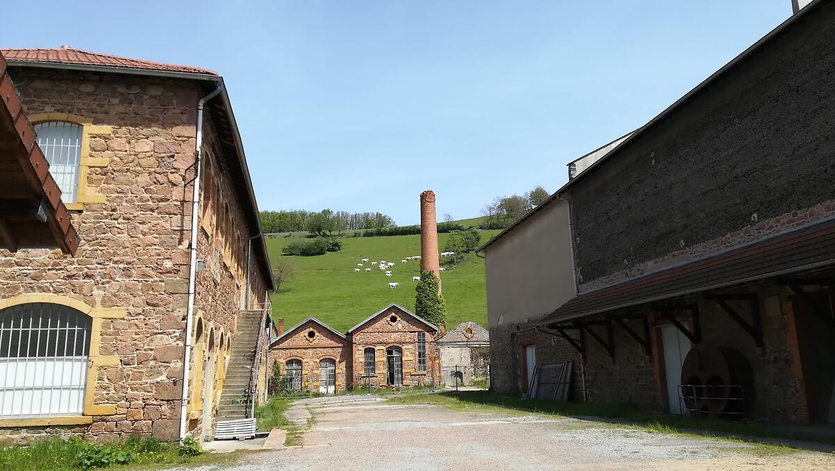 1-usine à la campagnemanufacture de thizy