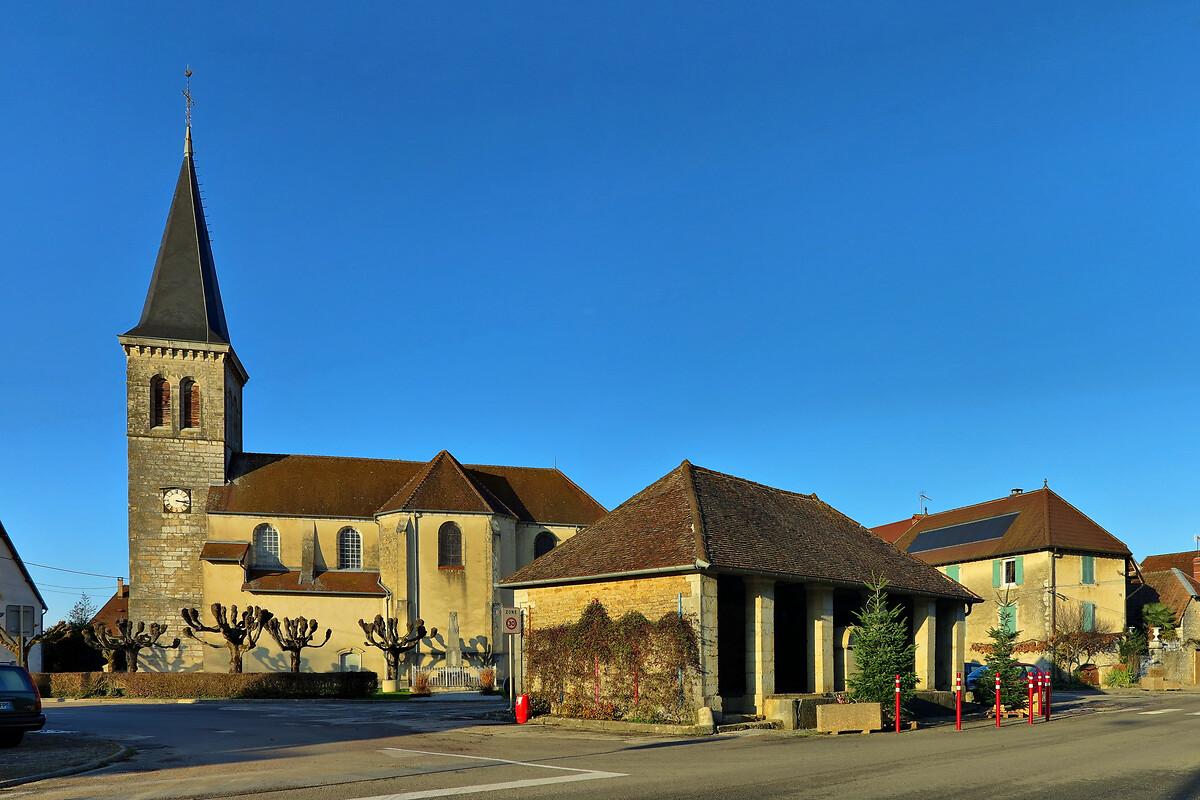 Cramans,_le_lavoir_et_l'église