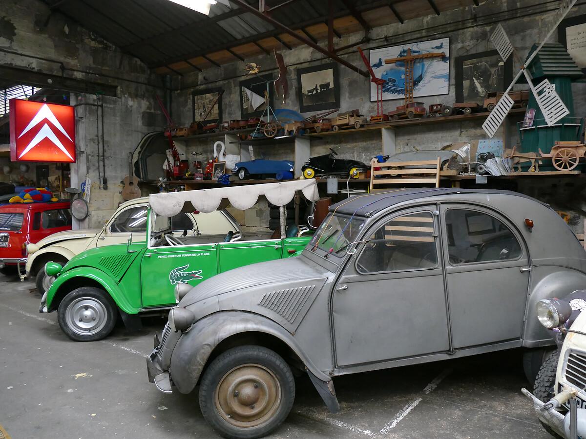 L1250759 -.Le club de mécènes en Gironde rend visite à la voiture Motobloc