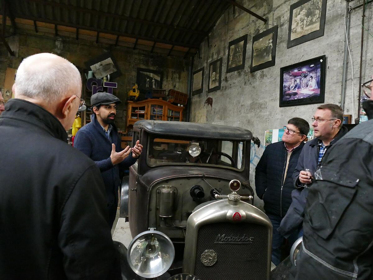 L1250788 -Le club de mécènes en Gironde rend visite à la voiture Motobloc