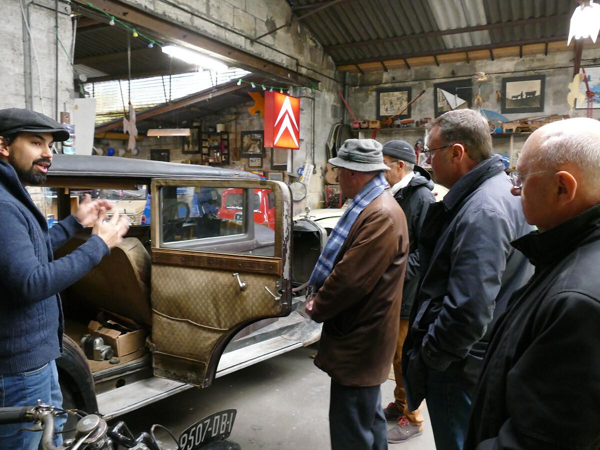 L1250794 -Le club de mécènes en Gironde rend visite à la voiture Motobloc