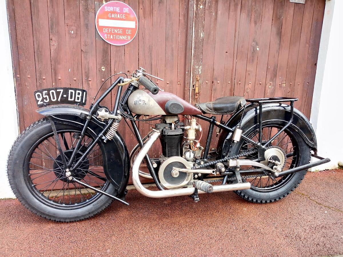 Motocyclette BCR - photo après 2Motocyclette BCR restaurée