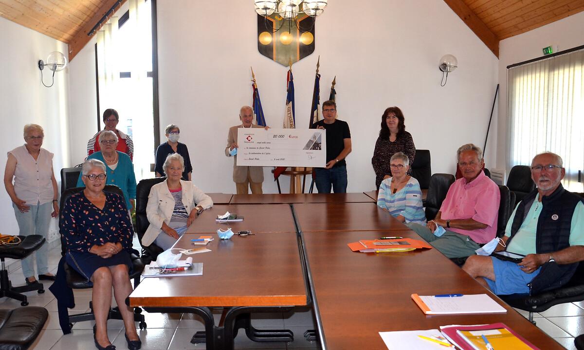 Remise de subvention pour l'église de Saint-Pabu