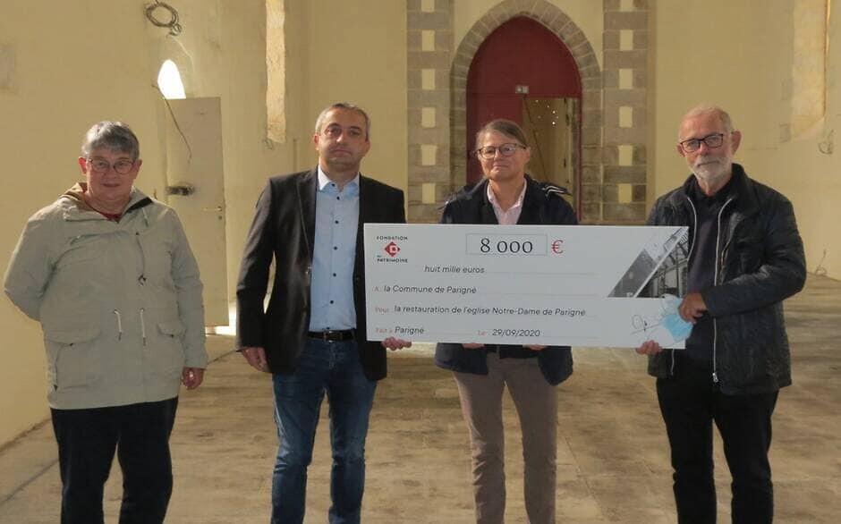 Remise de subvention pour l'église Notre-Dame de Parigné