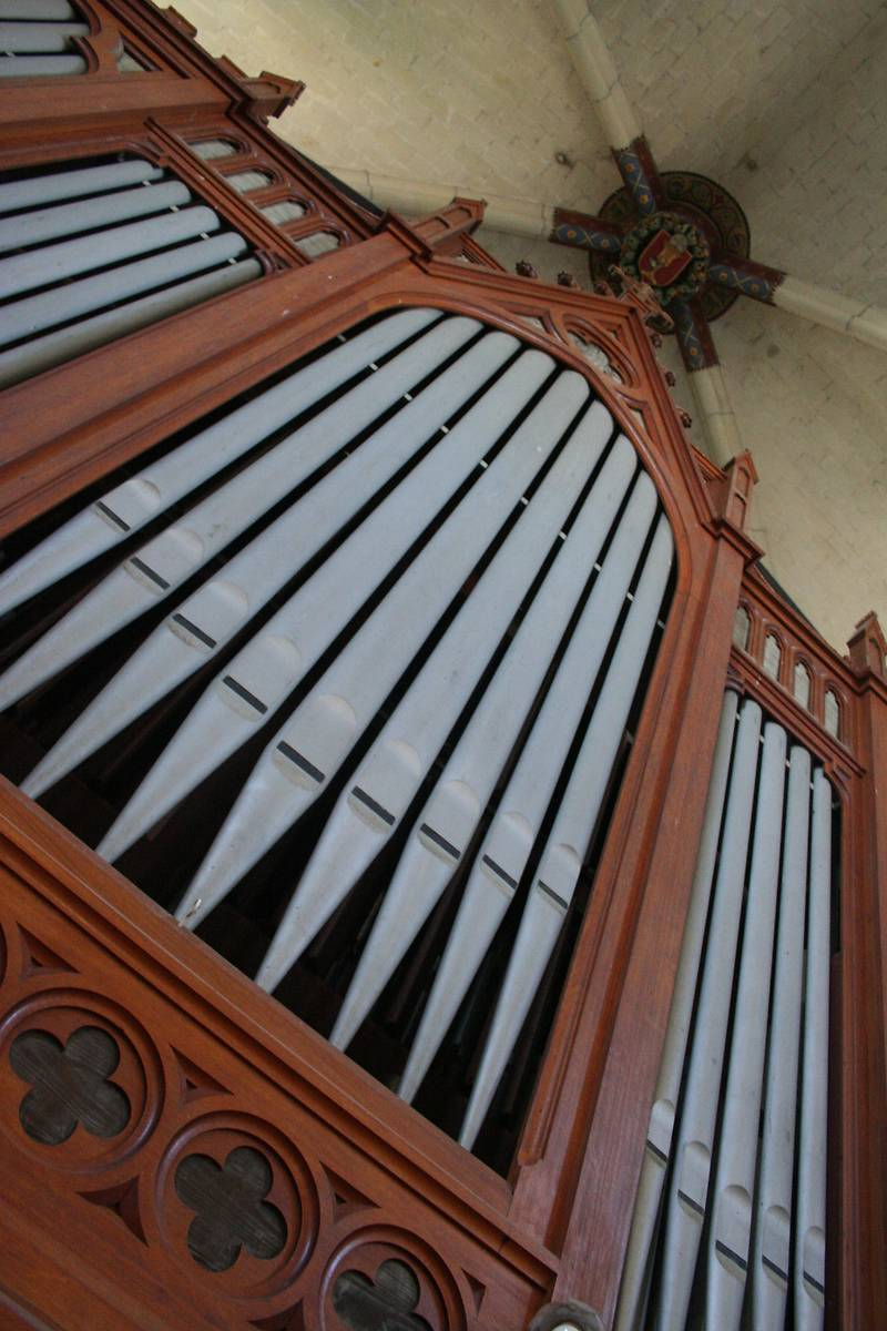 ORGUE DE L'ÉGLISE DE SAINT MACAIRE EN MAUGES