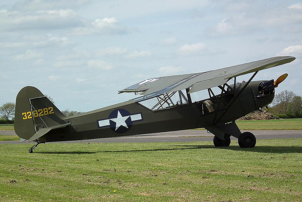 AVION PIPER L-4B DE 1942 A NOIRMOUTIER EN L'ILE