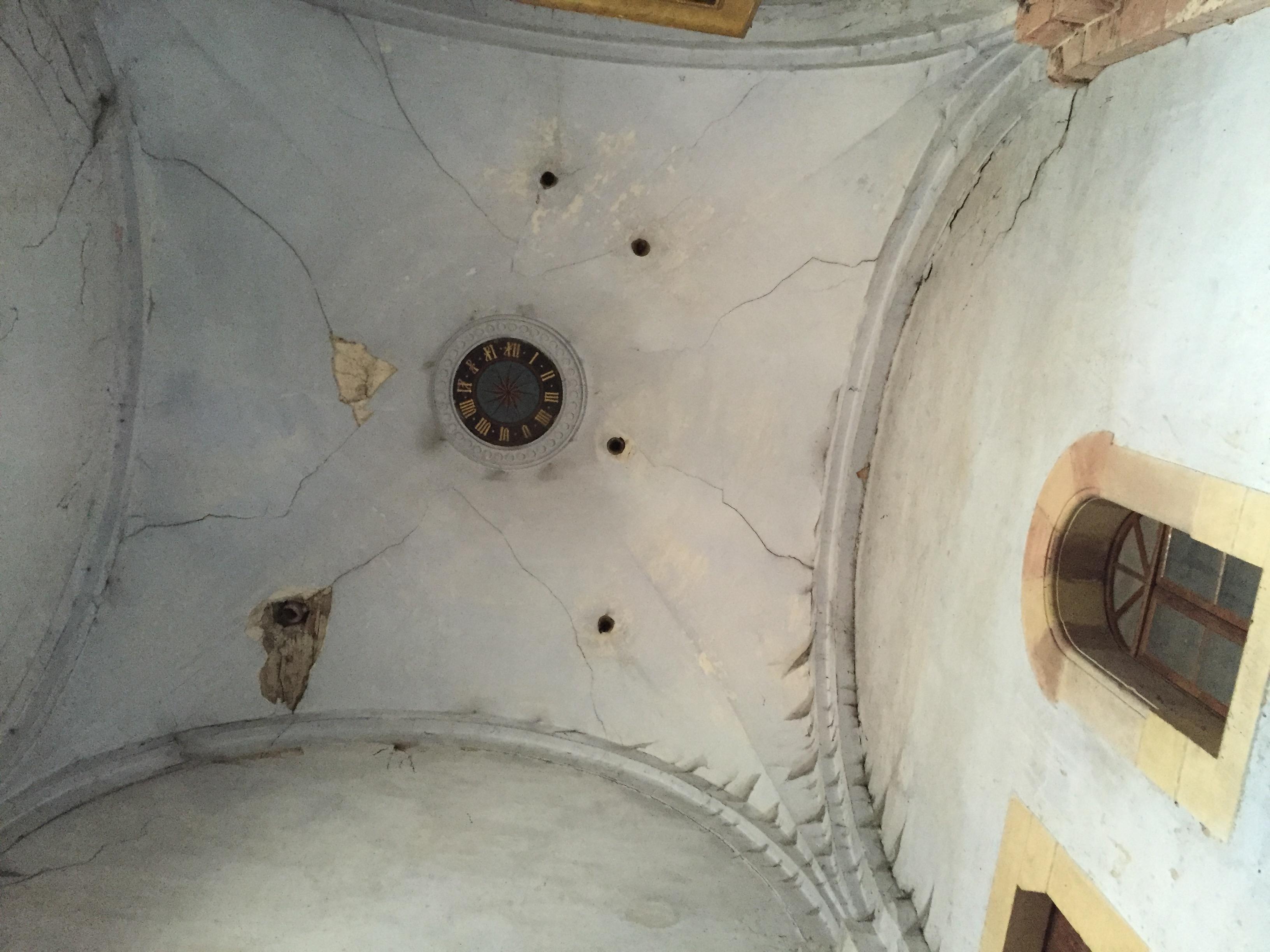 La salle basse du clocher à restaurer