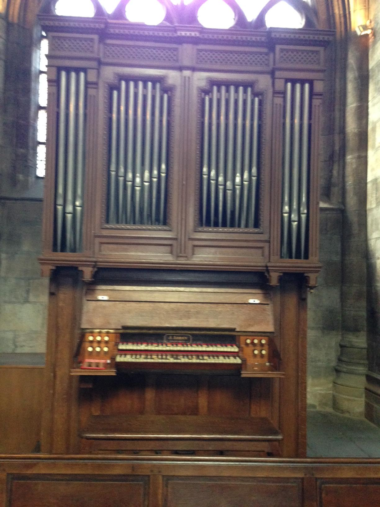 ORGUE JOHN ABBEY DE LA CATHEDRALE DE MOULINS
