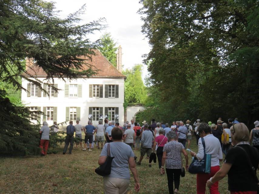 """Visite guidée de la maison """"Les Relais"""" à Villeneuve sur Yonne"""