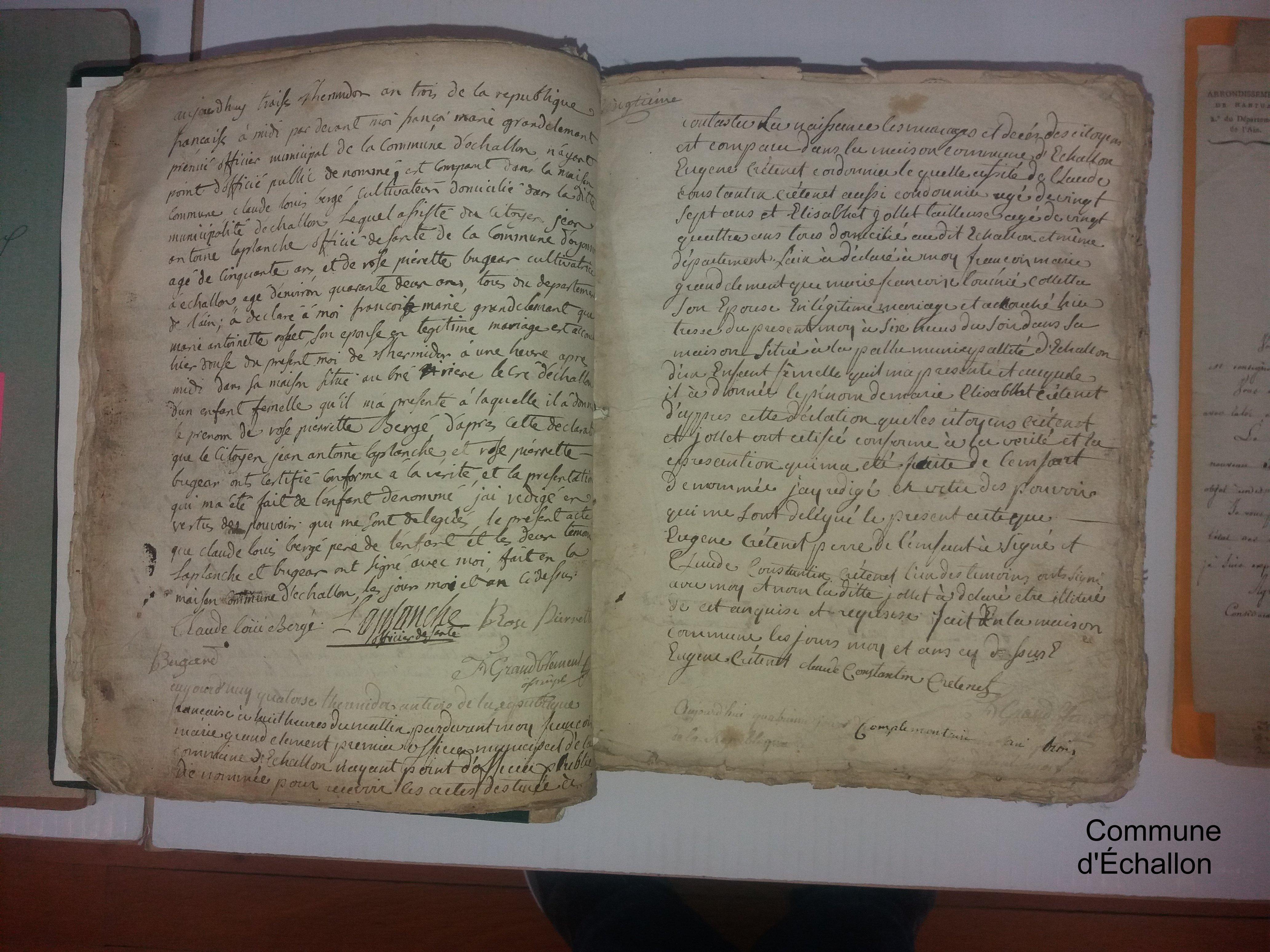FONDS ANCIEN DE LA COMMUNE D'ECHALLON